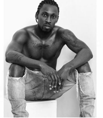 Nigerian singer, Orezi shares shirtless photos to celebrate his birthday, says