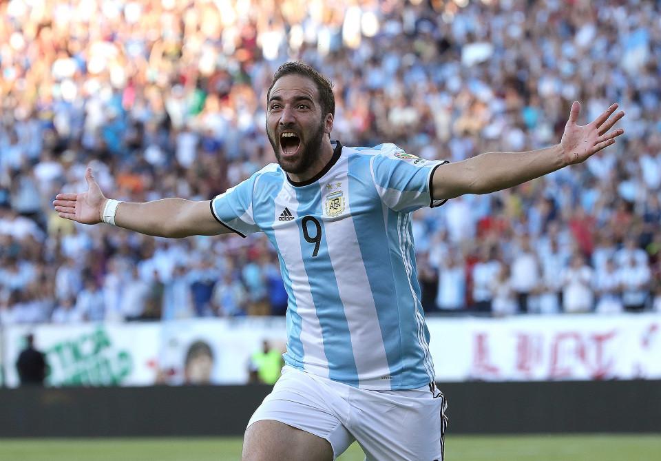 Chelsea striker Gonzalo Higuain announces retirement from international football?