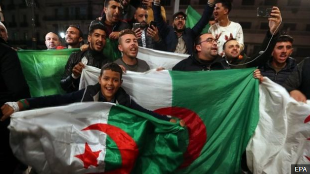 Algerians celebrate after their president resigns (video)