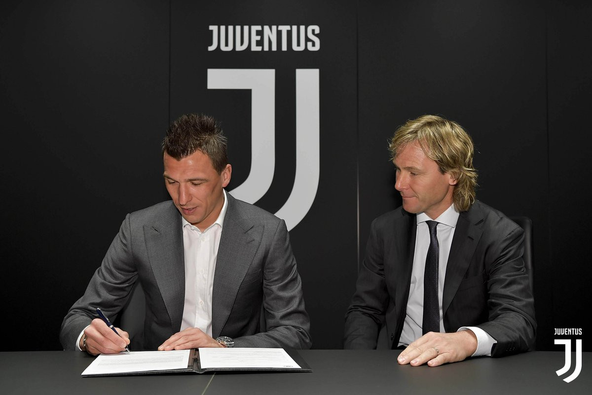 Juventus striker, Mario Mandzukic signs new two-year deal until 2021 (Photos)