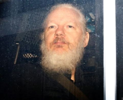 Julian?Assange?s father calls on Australia rescue him
