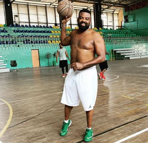 Nigerian filmmaker, Kunle Afolayan goes shirtless to play basketball (Photo)