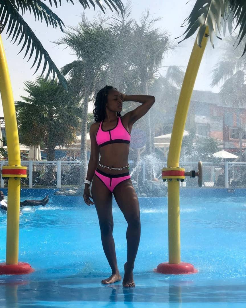 Anto flaunts her hot bod in Bikini as she holidays in Dubai (photos)