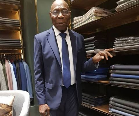 President Olusegun Obasanjo looks dapper?in suit as he steps out in Vietnam (Photos)