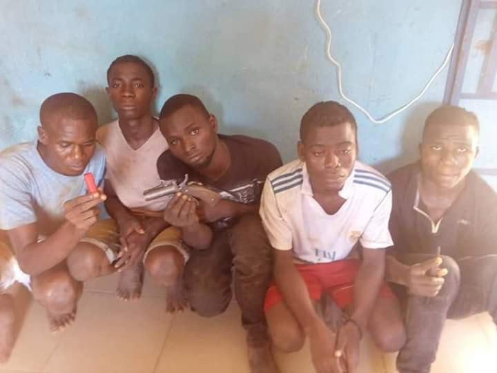 Photos: Five suspected cultists arrested in Benue State for shooting a man