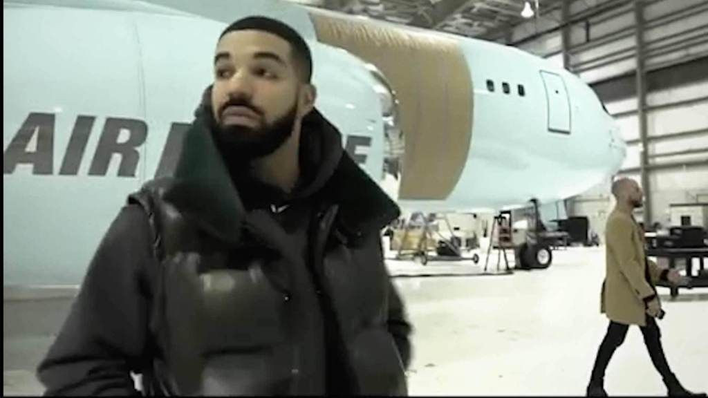 Rapper, Drake shows off his new private plane,