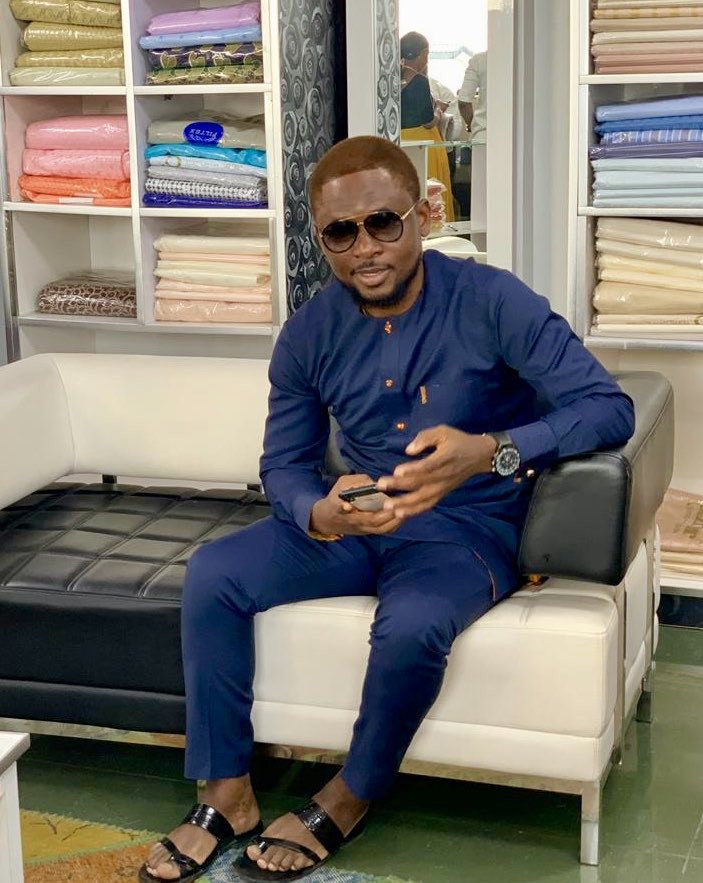 Omojuwa finally goes blonde after vowing to change his hair color if Lionel Messi doesn't win the Champions League this year (Photo)