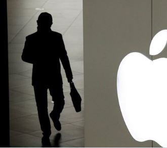 Chinese engineering student in the U.S.found guilty of using fake iPhones to defraud Apple of 1,500 devices