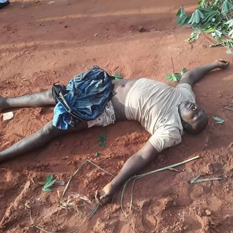 Photos: Patent medicine dealer tortured to death by vigilante group in Enugu after being accused of buying stolen items