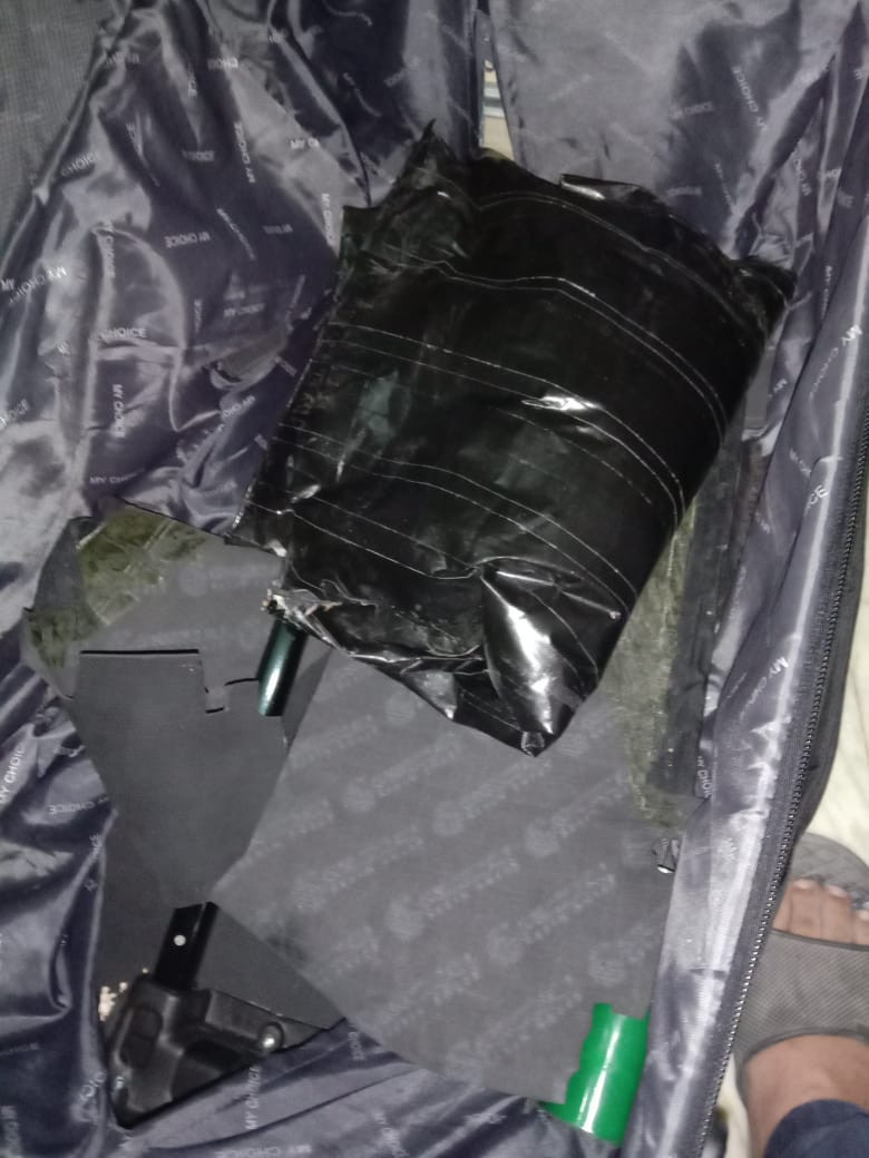 Photos: Two Nigerian men, one Ugandan woman arrested with 5 Kg heroin and 2.6 Kg cocaine in India
