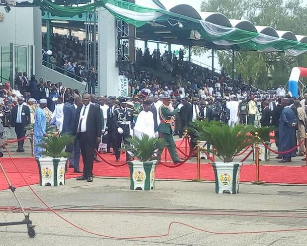 Breaking: President Buhari and VP Yemi Osinbajo sworn-in for second term (Photos)