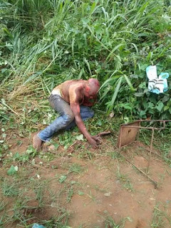 Graphic Photos: Angry mob sets two alleged thieves ablaze in Akwa Ibom