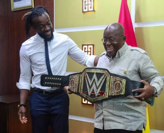 Kofi Kingston presents WWE world title to Ghanaian president, Akufo-Addo (Photo)