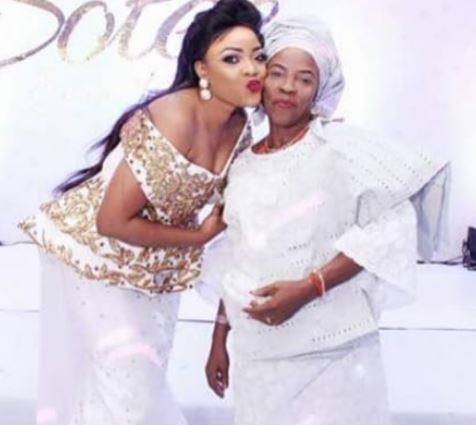 Nollywood actress, Tayo Sobola loses mum