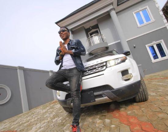 Juju musician, Mega 99 shows off his new Range Rover evoque (Photos)
