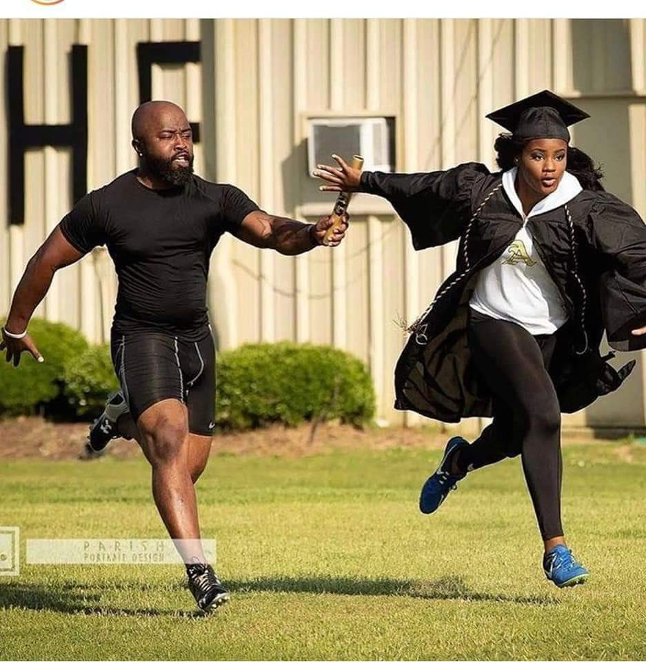 Check out these lovely father - daughter graduation photos