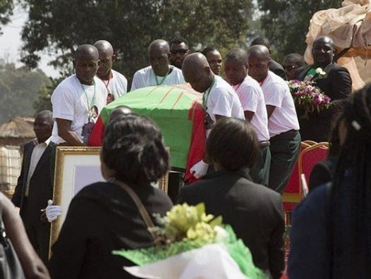 Legendary Angola rebel chief, Jonas Savimbi gets public burial 17 years after death (Photo)