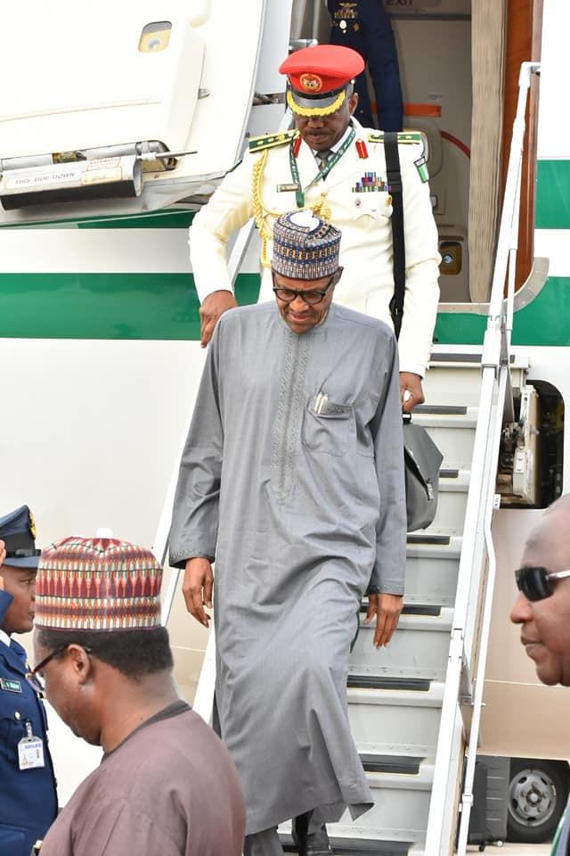 President Buhari returns to Abuja after OIC Summit in Saudi Arabia (Photos)