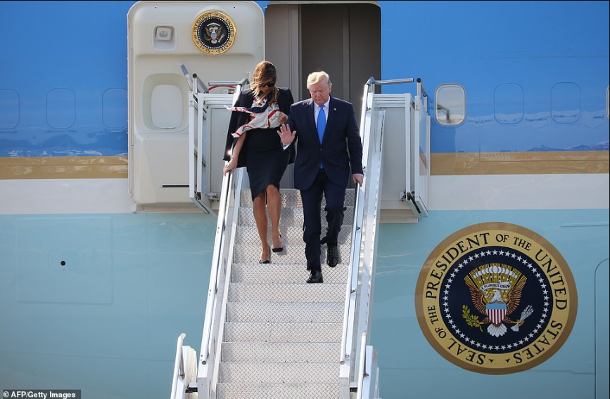Donald Trump and Melania arrive London for state visit (photos)