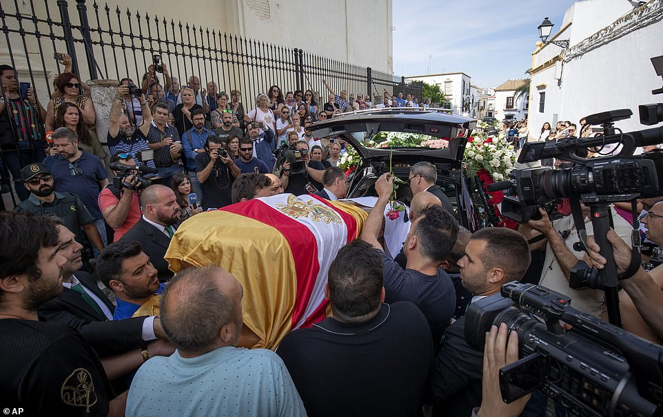 Former Arsenal and Spain footballer, Jose Antonio Reyes laid to rest after car crash (Photos)
