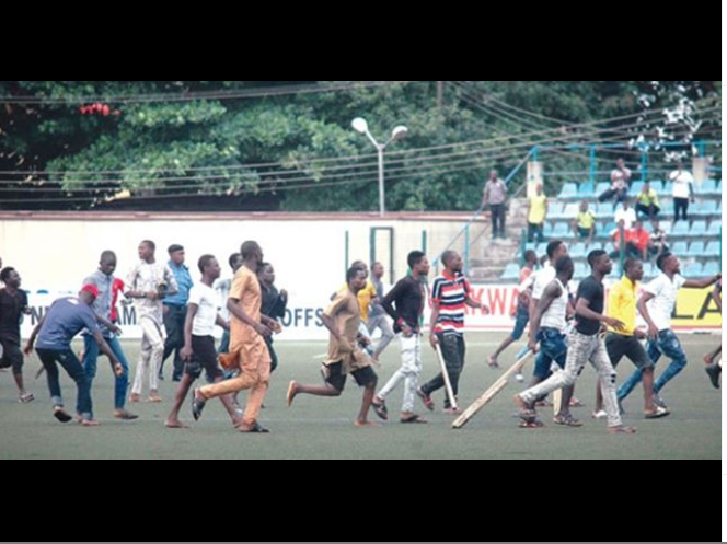 Match between Kano Pillars Vs Enugu Rangers in Agege ends in violence as?referee runs for his life? (Video)