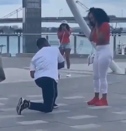 Boyfriend fakes proposal and invites his woman