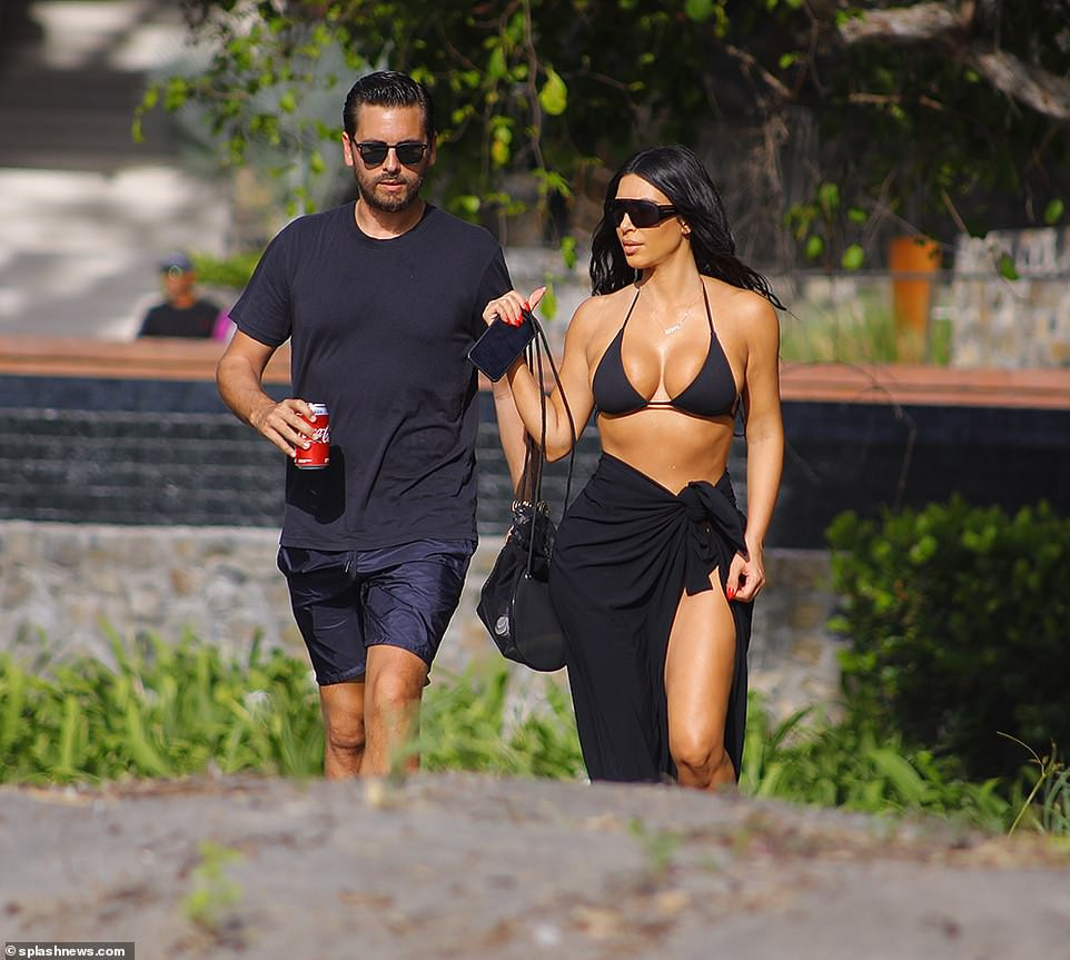 Kim Kardashian showcases her killer curves in tiny bikini while on family holiday in Costa Rica (Photos)