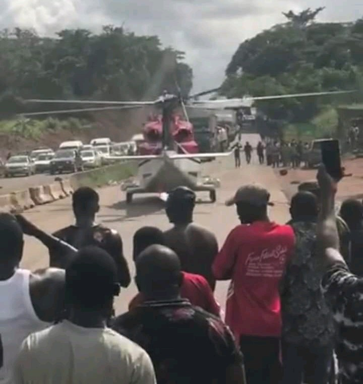 Moment VIP ordered a helicopter to come airlift him out of heavy traffic on Lagos-Benin Expressway (video)