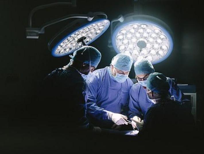 Australian surgeons remove patient