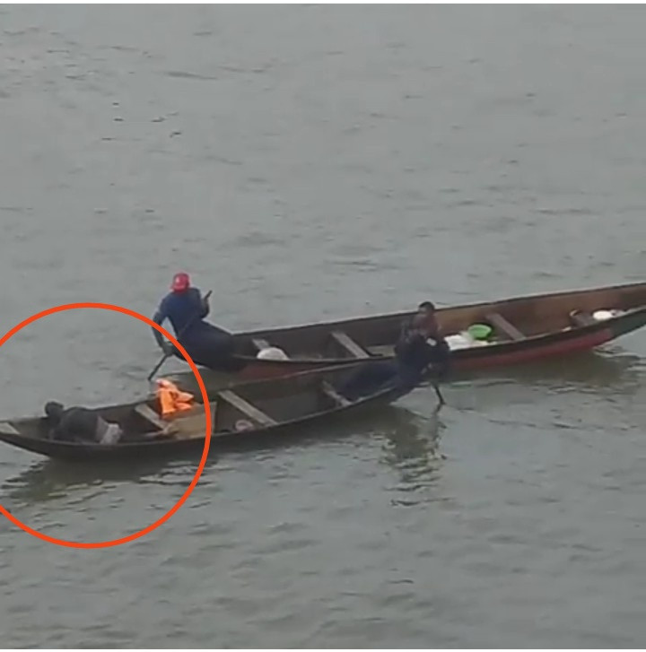 Man attempts suicide by jumping off a bridge in Lagos