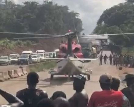 Nigerian Civil Aviation Authority?begins investigation into?helicopter?landing on Benin-Ore Highway