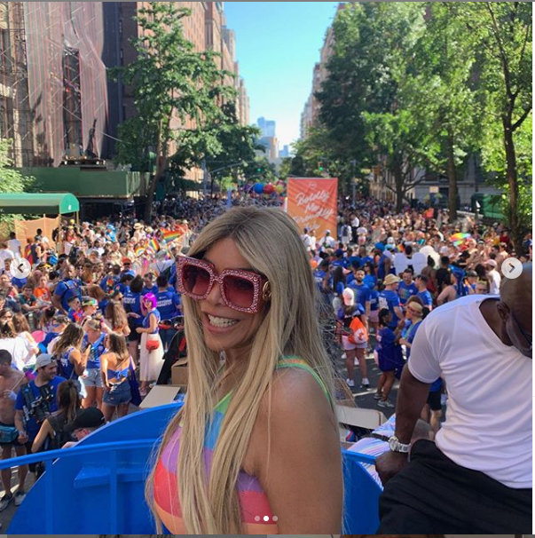 Wendy Williams strikes a sexy pose in LGBT jumpsuit at NYC Pride Parade (Photos)