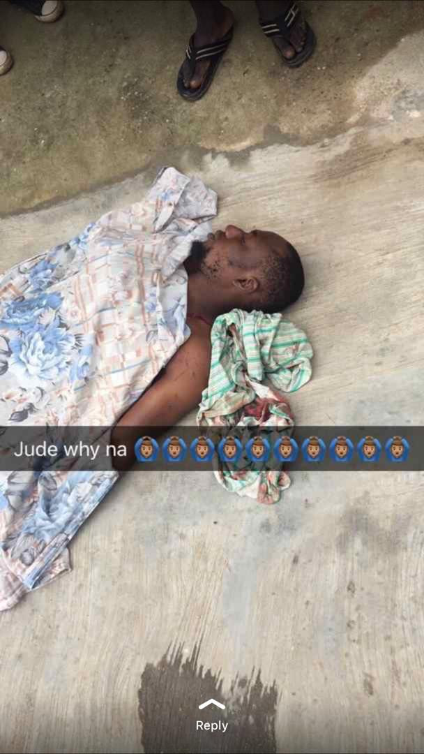 Man stabbed to death while fighting for gin with his friend in Lagos (photos)