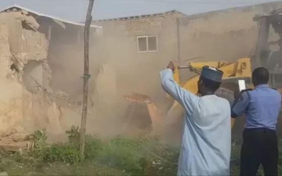 Governor Ganduje orders the demolition of the?house where President Buhari?s in-law was rescued in Kano State