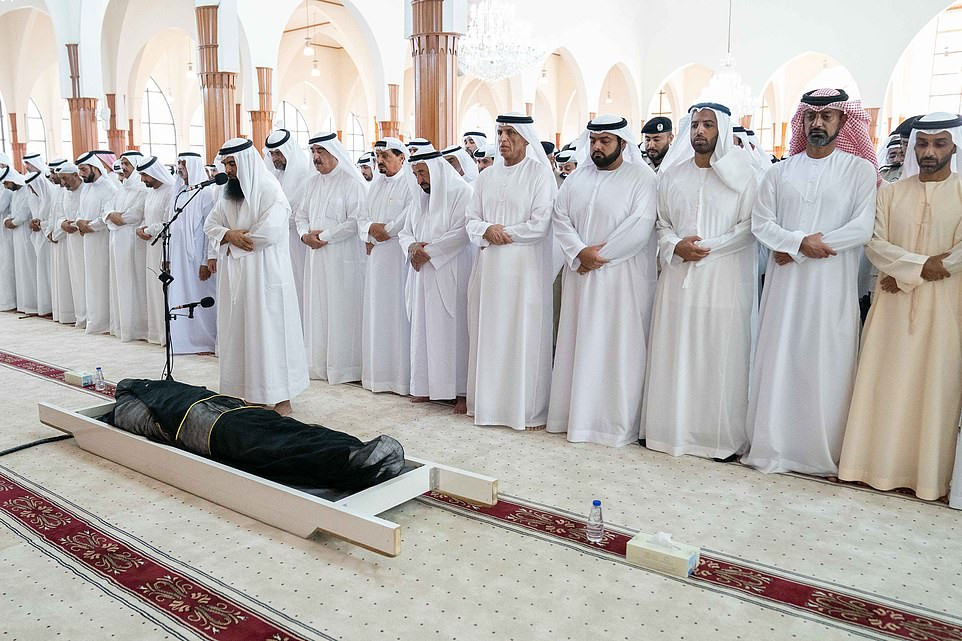 UAE ruler Sheikh Dr. Sultan bin Muhammad buries his son after?his