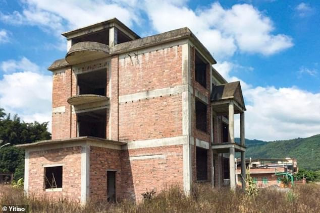 Seven best friends buy a mansion and spend ?460K renovating it into their dream home in China so they can grow old together (Photos)