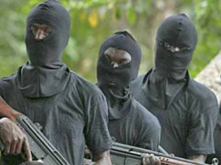 "Edo State""Gunmen kidnap two Chinese men, kill their police guard """