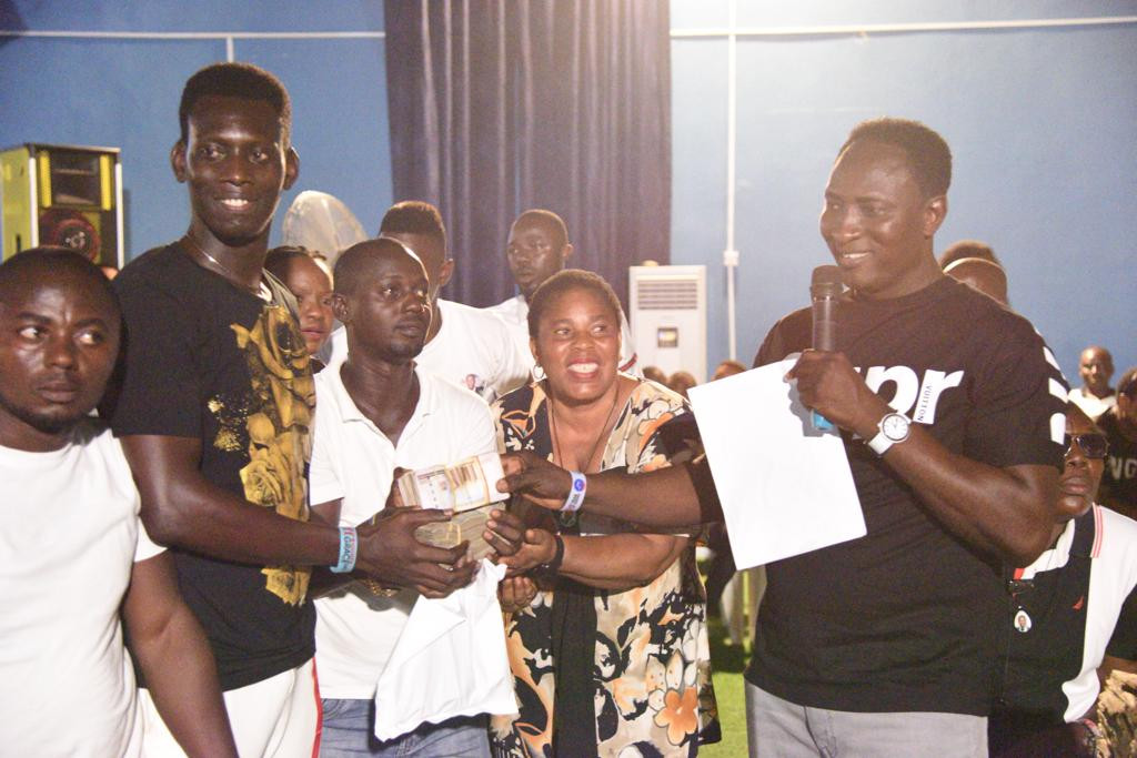 Prophet Jeremiah Omoto Fufeyin blessed workers with N20 million