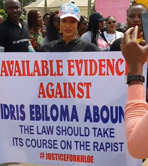 #JusticeforKhloe:  Tonto Dikeh, other Nigerians stage protest at High Court Abuja, demand justice for 4 year old girl raped by 40 year old man (photos)