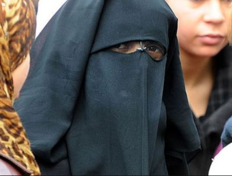 Tunisia places a ban on women from?wearing the niqab
