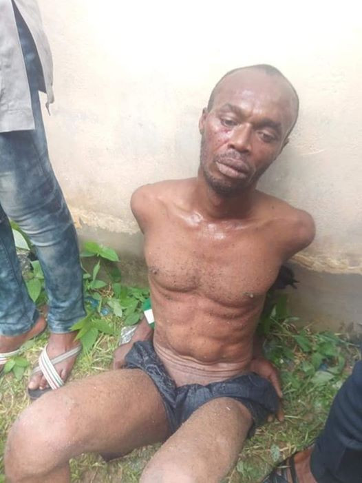 Photos: Suspected car thief stripped naked and beaten in Calabar