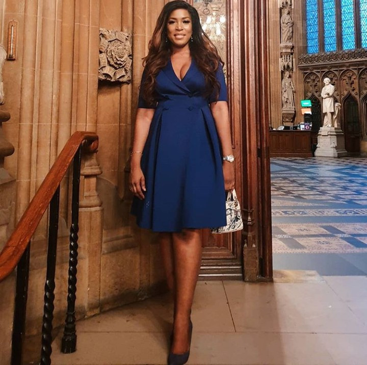 Linda Ikeji is awarded the African Media Personality of the Year at the 2019 African Achievers Awards in the UK (photos)