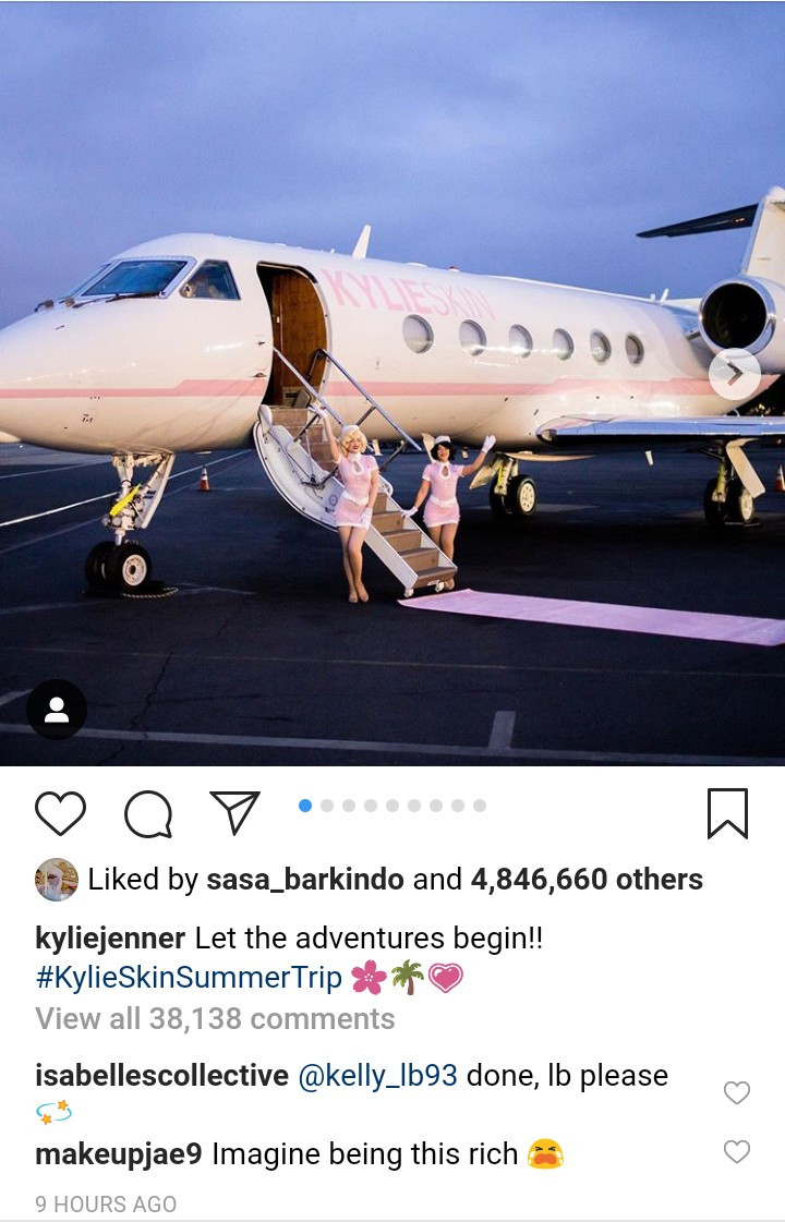 Kylie Jenner takes her girls on trip in pink private jet with Kylie
