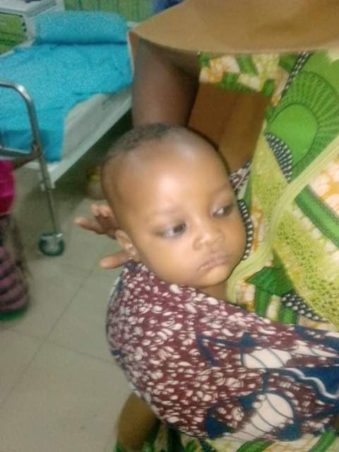 Photos: Unidentified young woman and her child involved in accident in Zamfara
