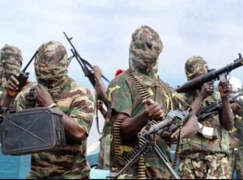Bandits commanders agree to suspend attacks in Zamfara after a?meeting with?state government and security officials