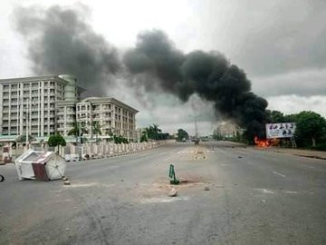 Many feared dead as Shiites and police engage in fierce gun battle in Abuja (photos)