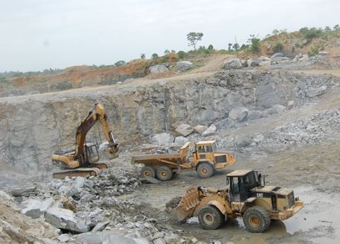 Quarry site collapses and injures four people in Ibadan