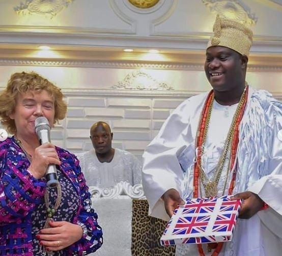 Photos:?British High Commissioner, Catriona Laing visits Ooni Of Ife