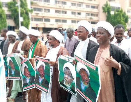 Shi?ites stage protest at Abuja Mosque over alleged death of their members in police custody