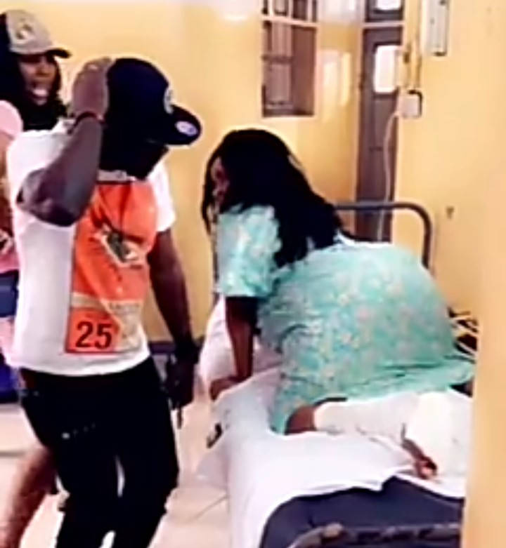 Cossy Ojiakor twerks on her hospital bed (video)